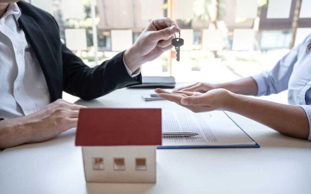 Kupowanie domu/mieszkania przez biuro nieruchomosci
