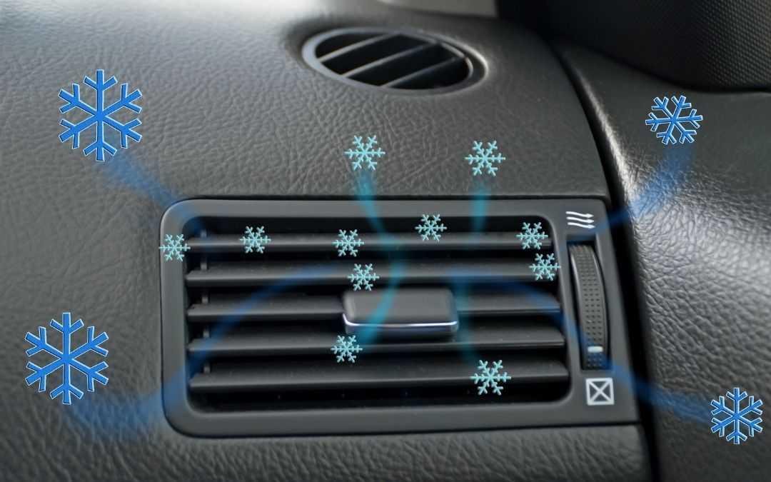 Klimatyzacja w samochodzie i wylatujące z niej zimne powietrze